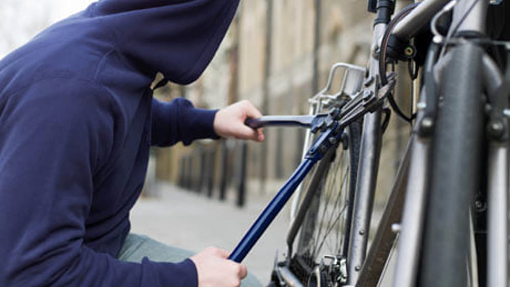 Terracina, ruba una bicicletta in un condominio: sorpreso dai carabinieri - LatinaToday