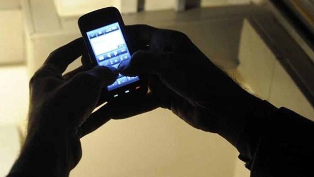 Minturno, oltre 3mila messaggi con minacce in due giorni: stalker arrestato dalla polizia - LatinaToday