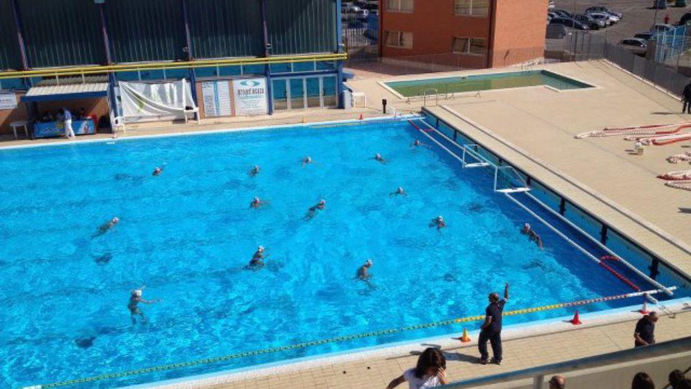 Piscina scoperta comune presto i teloni - Agora piscina latina ...